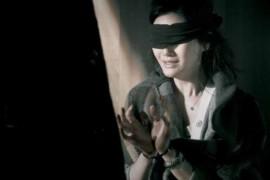 sm情节,初次尝试熟女淫妻调教,道具捆绑带眼罩加粗套