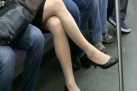 我在公交地铁上摸女的屁股